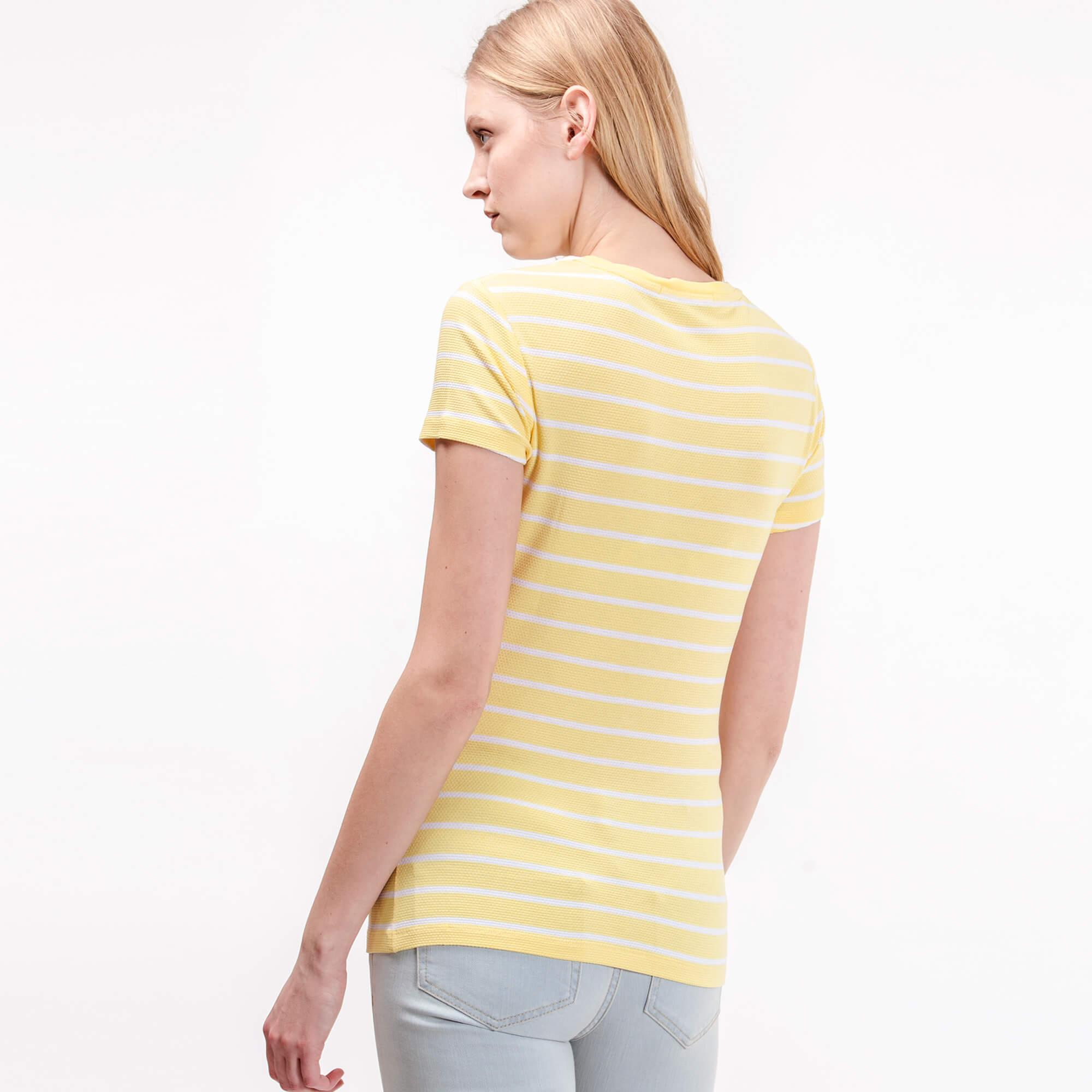 Lacoste Kadın Sarı Çizgili T-Shirt