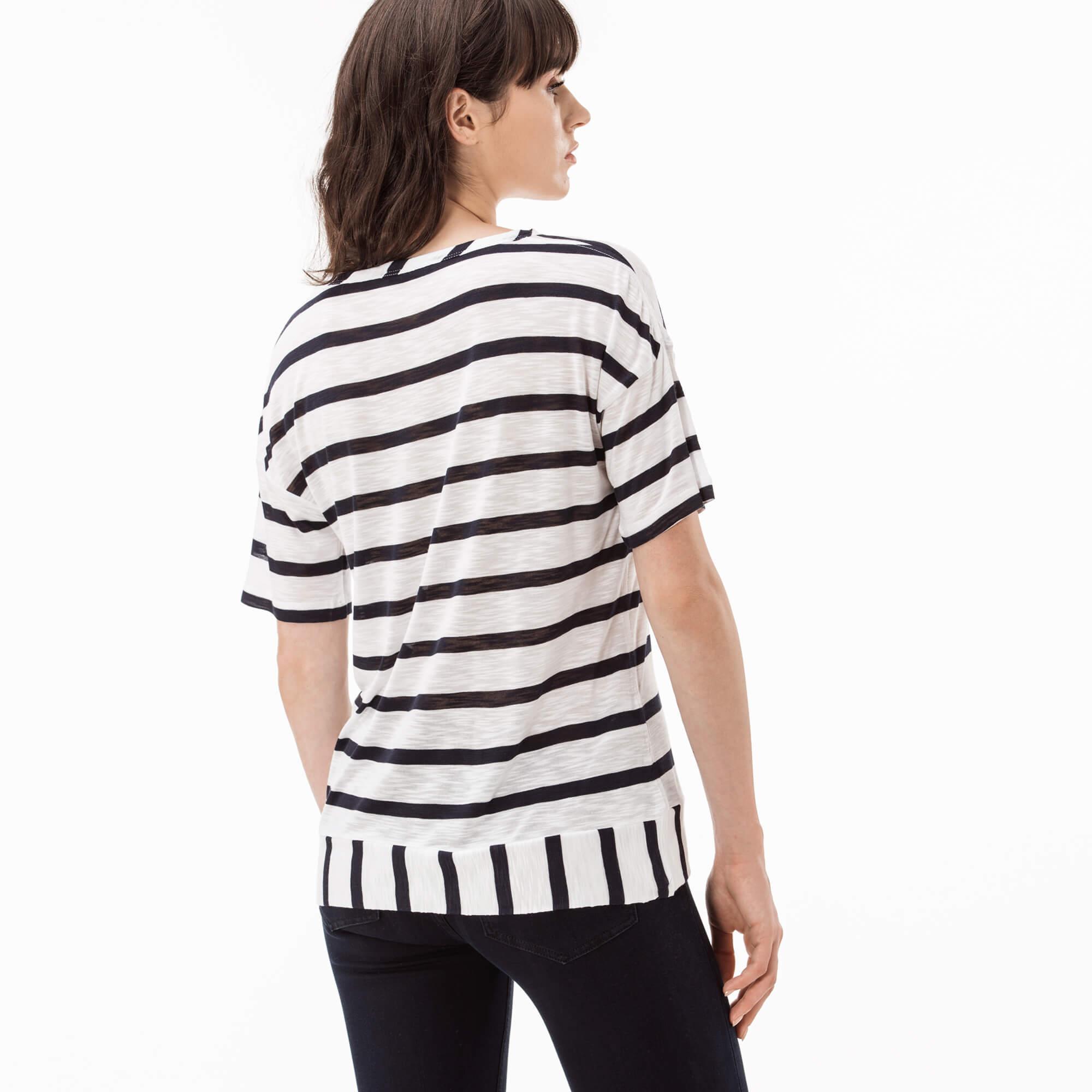 Lacoste Kadın Çizgili Beyaz T-Shirt